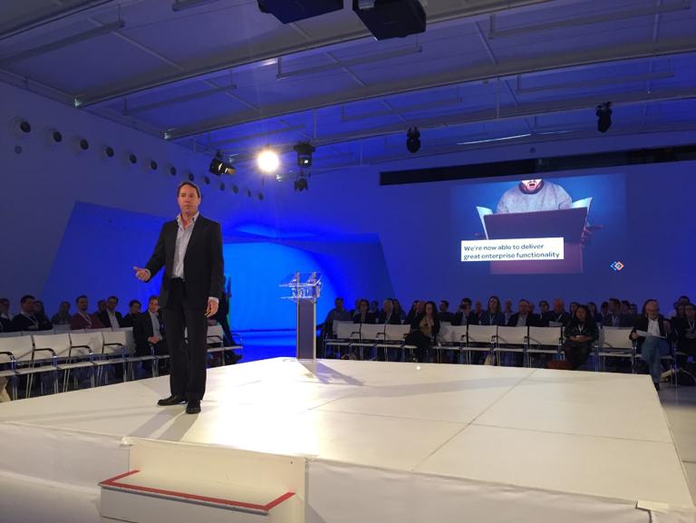 James Robertson tijdens zijn keynotespeech op het congres Intranet 2018