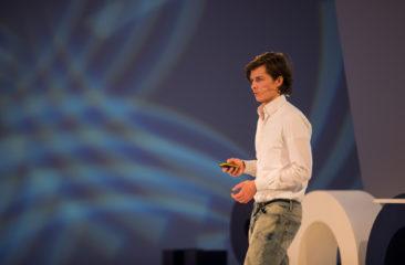 Danny Oosterveer Data - bedreven online marketeer, spreker en auteur